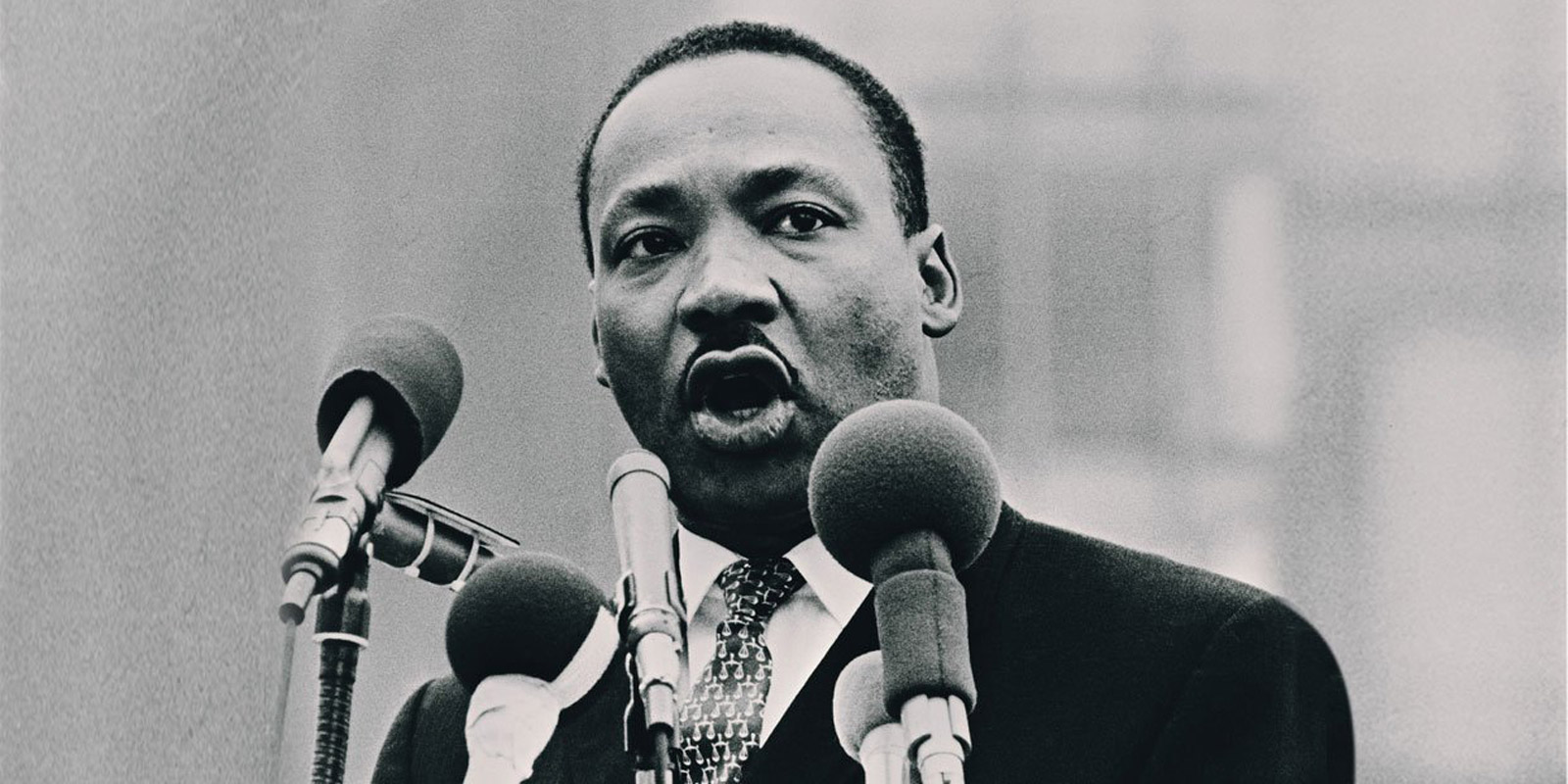 nonviolence martin luther king jr Dr martin luther king, jr's less than thirteen years of nonviolent leadership ended abruptly and tragically on april 4th, 1968, when he was assassinated at the lorraine motel in memphis, tennessee.